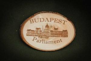 Budapest,-Parliament---fa-hűtőmágnes
